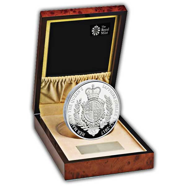The Royal Birth 2015 United Kingdom 5 Silver Proof Coin: The Queen's Sapphire Jubilee 2017 United Kingdom Silver